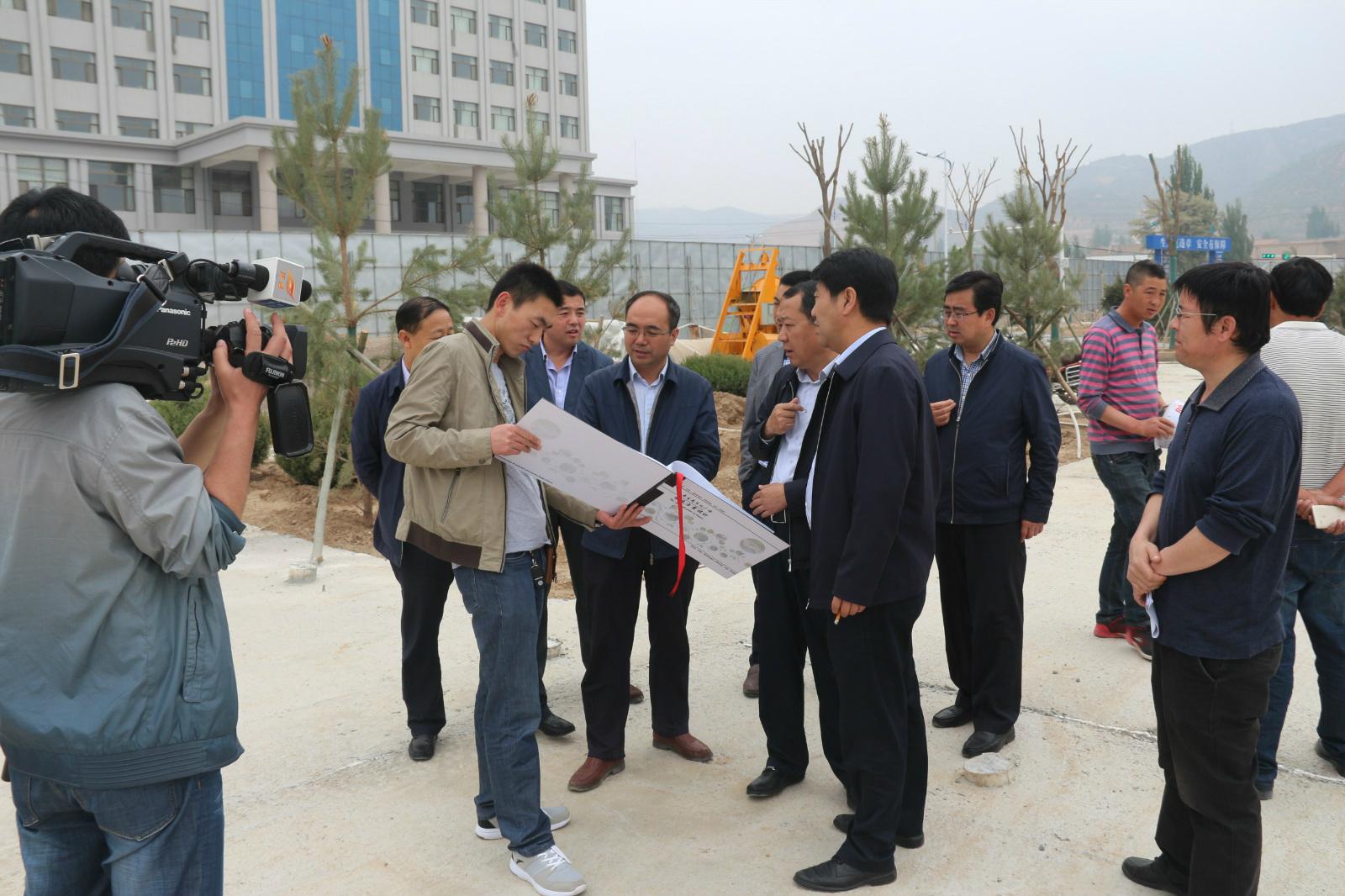 5月25日环县县长何英禅一行视察工作