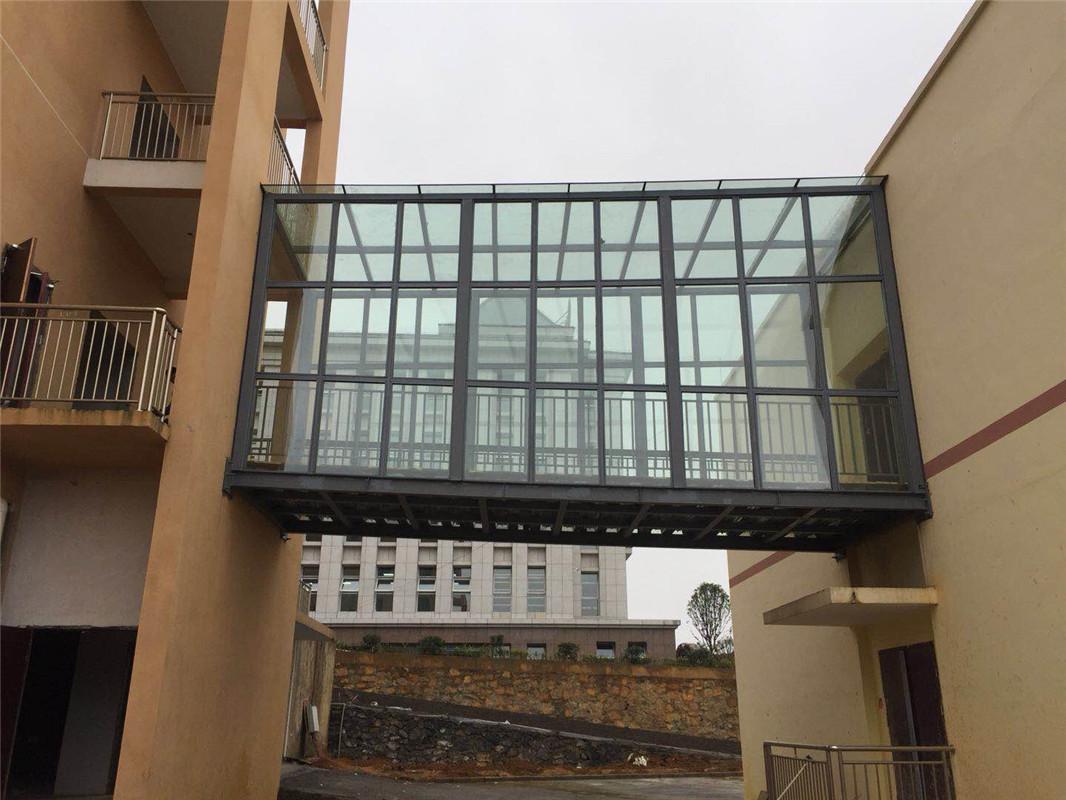 钢结构玻璃连廊
