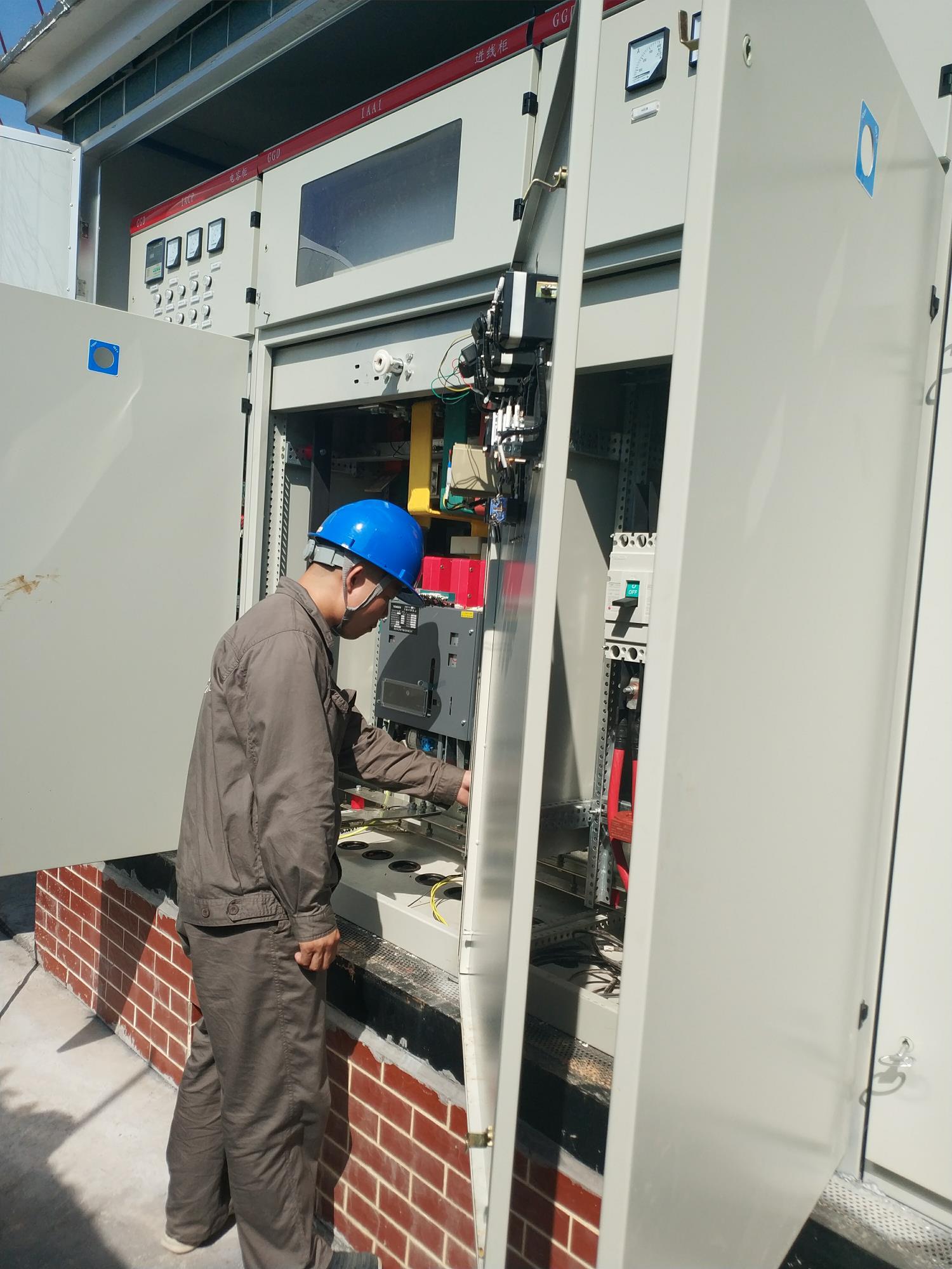 湖南银和瓷业有限公司送电作业现场----采集器调试(1)