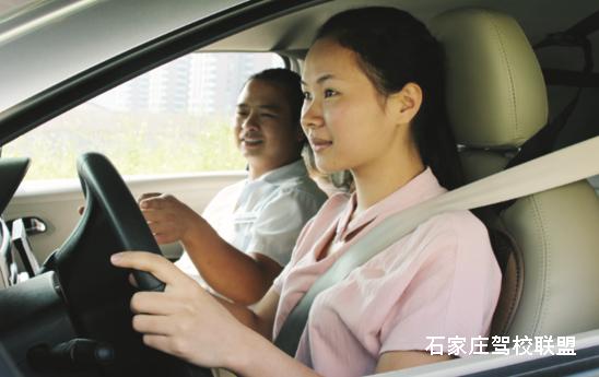 10个驾驶技巧,能保你平安