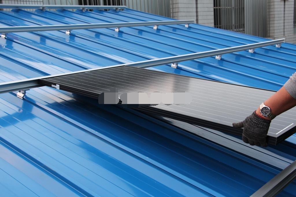 贵州彩钢瓦屋顶插入式威廉体育app安装系统