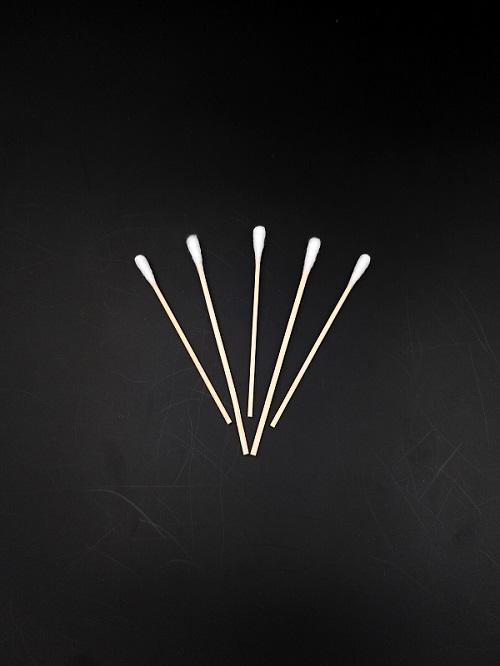 由竹、木棒和醫用脫脂棉為主要材料制成。