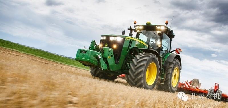 约翰迪尔发布最大450马力常规结构拖拉机,直逼芬特1050拖...