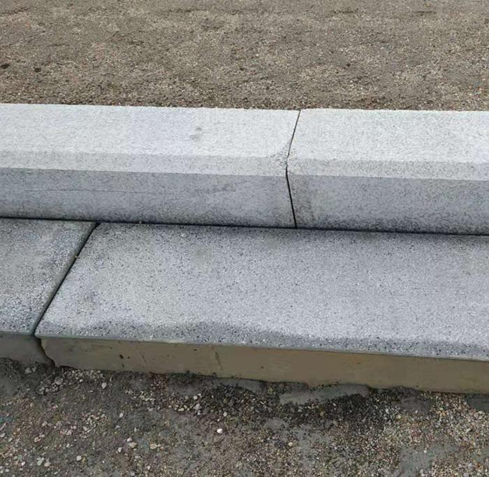 施工完成的路沿石