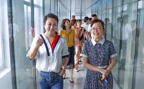 市妇联主席党组书记池樱到合天宝龙食品有限公司进行工作调研