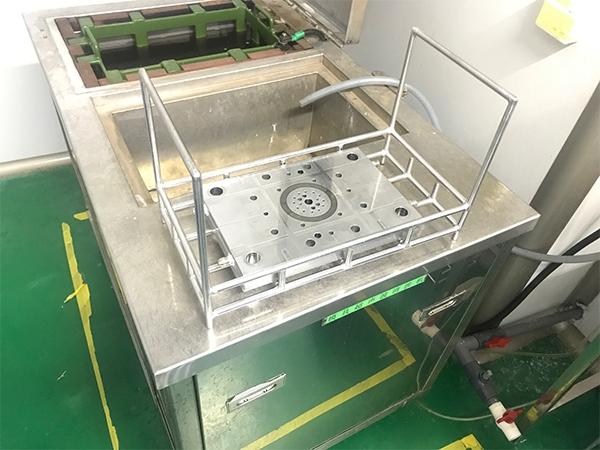 优质超声波清洗机器水
