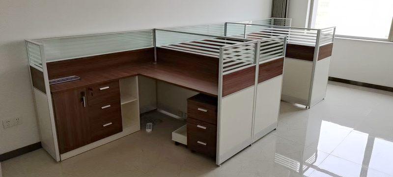 西安辦公桌隔斷